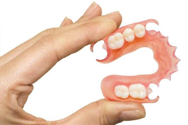 Starlight-dental-clinic-denture-rang-gia-thao-lap